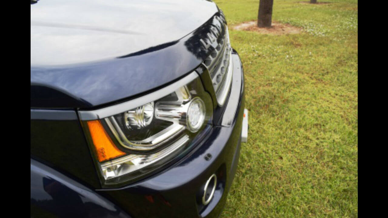 Land-Rover-LR4-hidden-winch-mount-side-profile-off-road-Voyager-Offroad.jpg