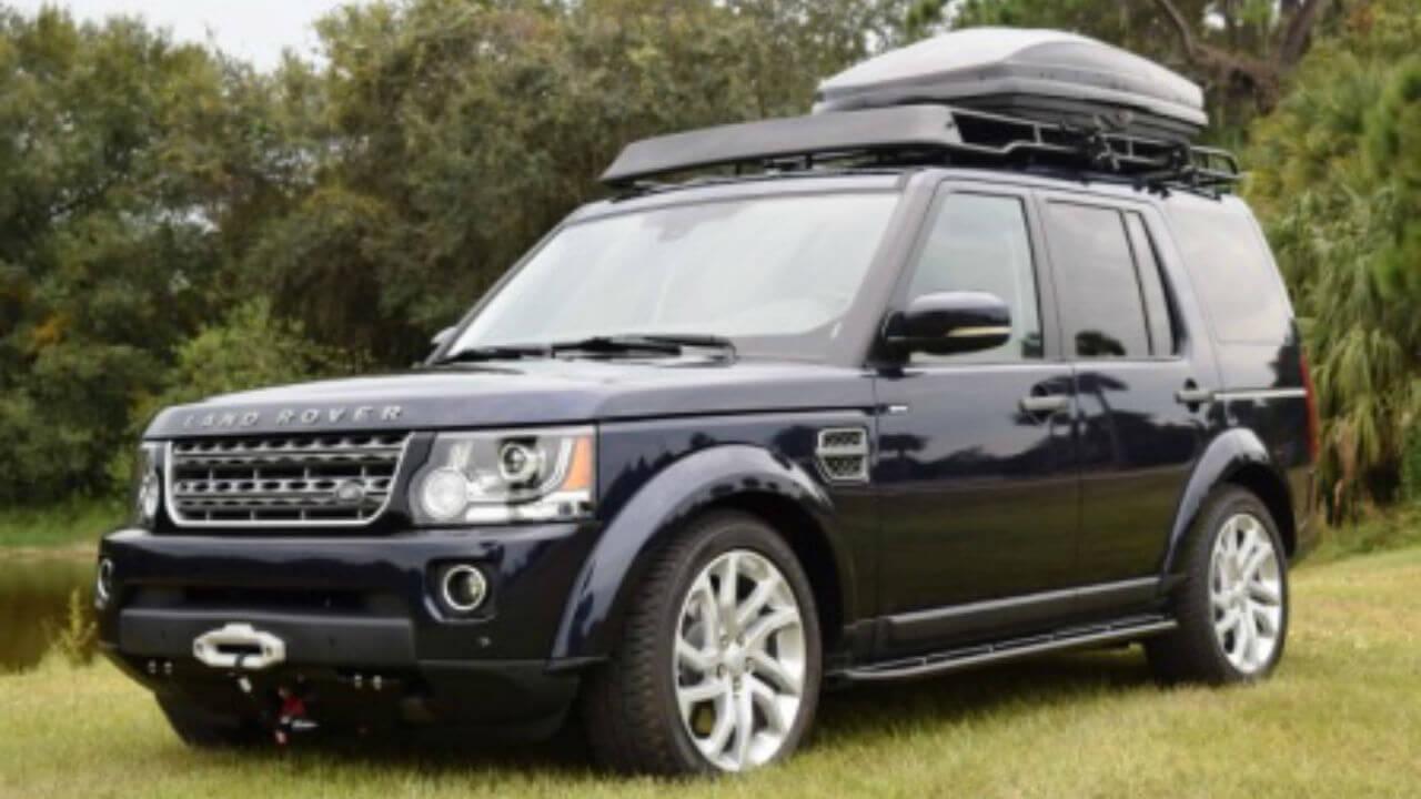 Land-Rover-LR4-hidden-winch-mount-skid-plate-rock-sliders-standard-off-road-roof-rack-Thule-box-Voyager-Offroad.jpg