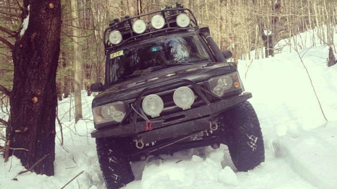 Land-Rover-Discovery-Series-II-Voyager-contractor-roof-rack-front-off-road-Voyager-Offroad.jpg