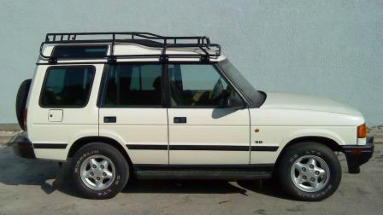 Land-Rover-Discovery-Series-I-Voyager-XD-low-profile-roof-rack-sunset-off-road-Voyager-Offroad