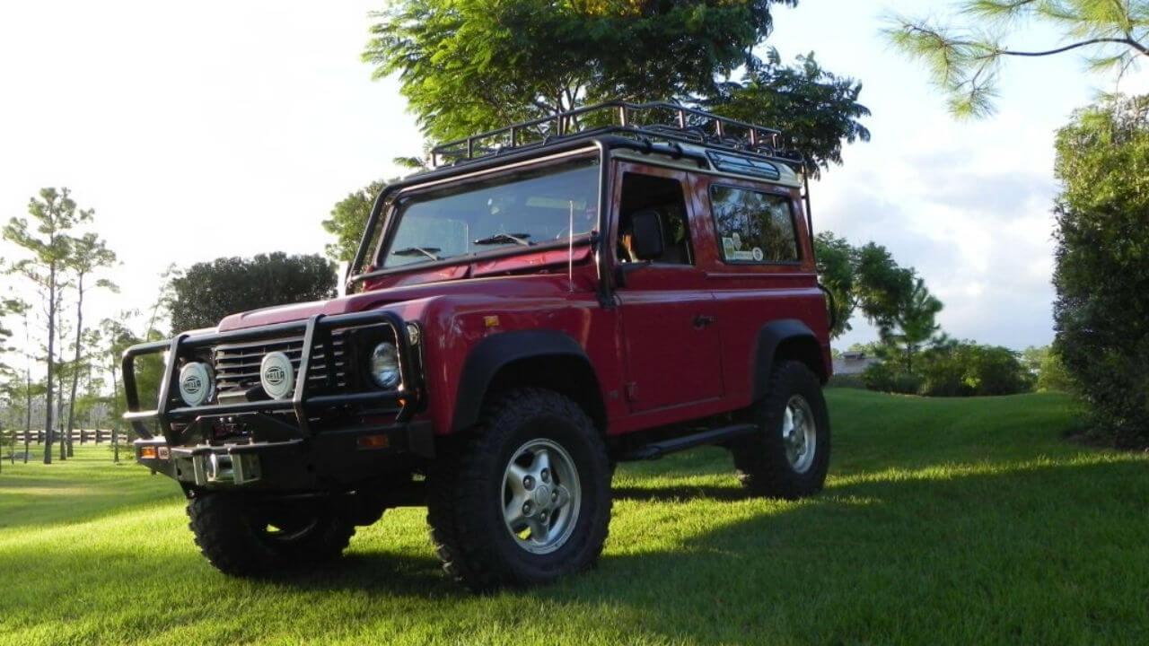 Land-Rover-Defender-90-NAS-D90-roof-rack-front-Voyager-Offroad.JPG