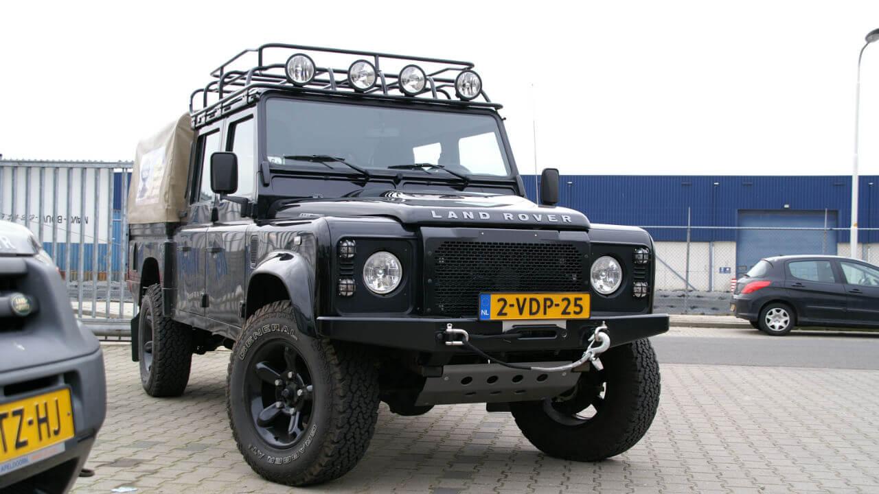 Land-Rover-Defender-130-D130-roof-rack-off-road-Voyager-Offroad