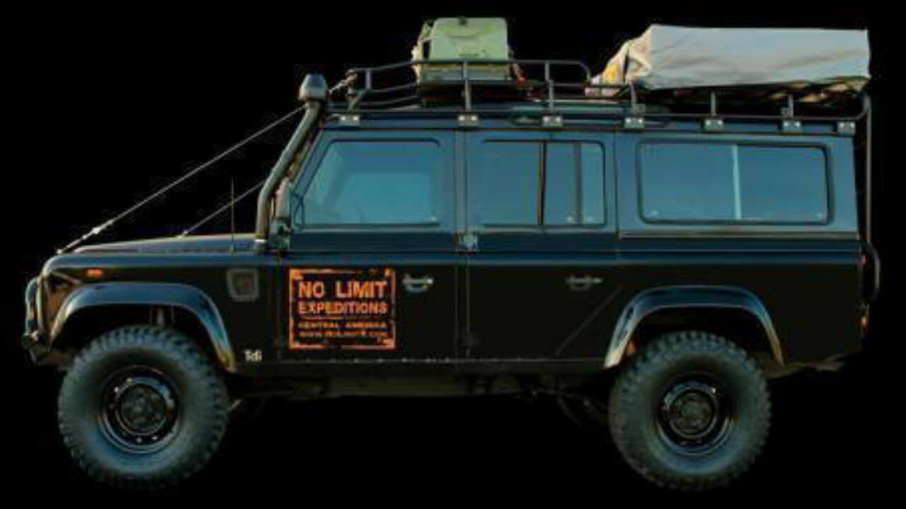 Land-Rover-Defender-110-D110-No-Limit-Expeditions-blacked-out-campers-edition-roof-off-road-Voyager-Offroad