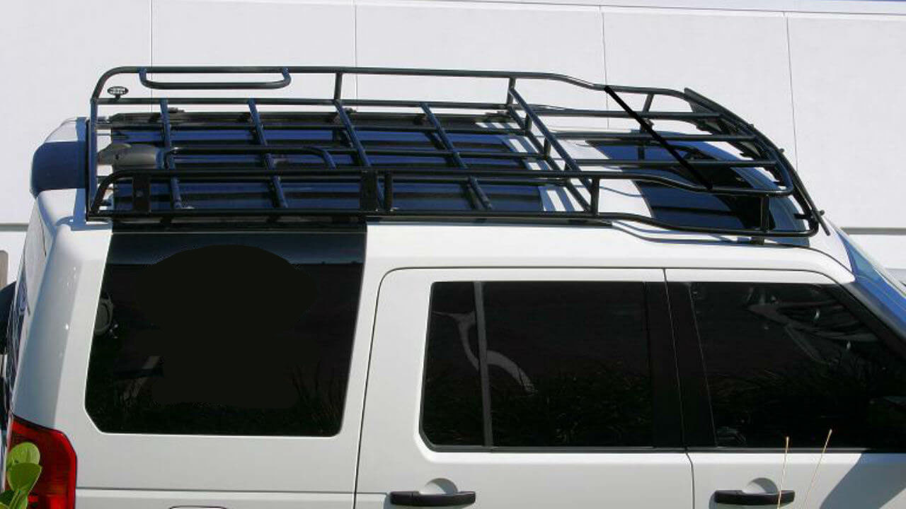 Land-Rover-LR3-white-Voyager-contactor-roof-rack-off-road-top-Voyager-Offroad.jpg