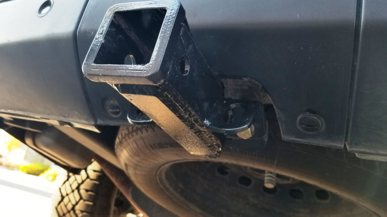Land-Rover-aftermarket-rear-hitch-receiver-mount-below-view.jpg