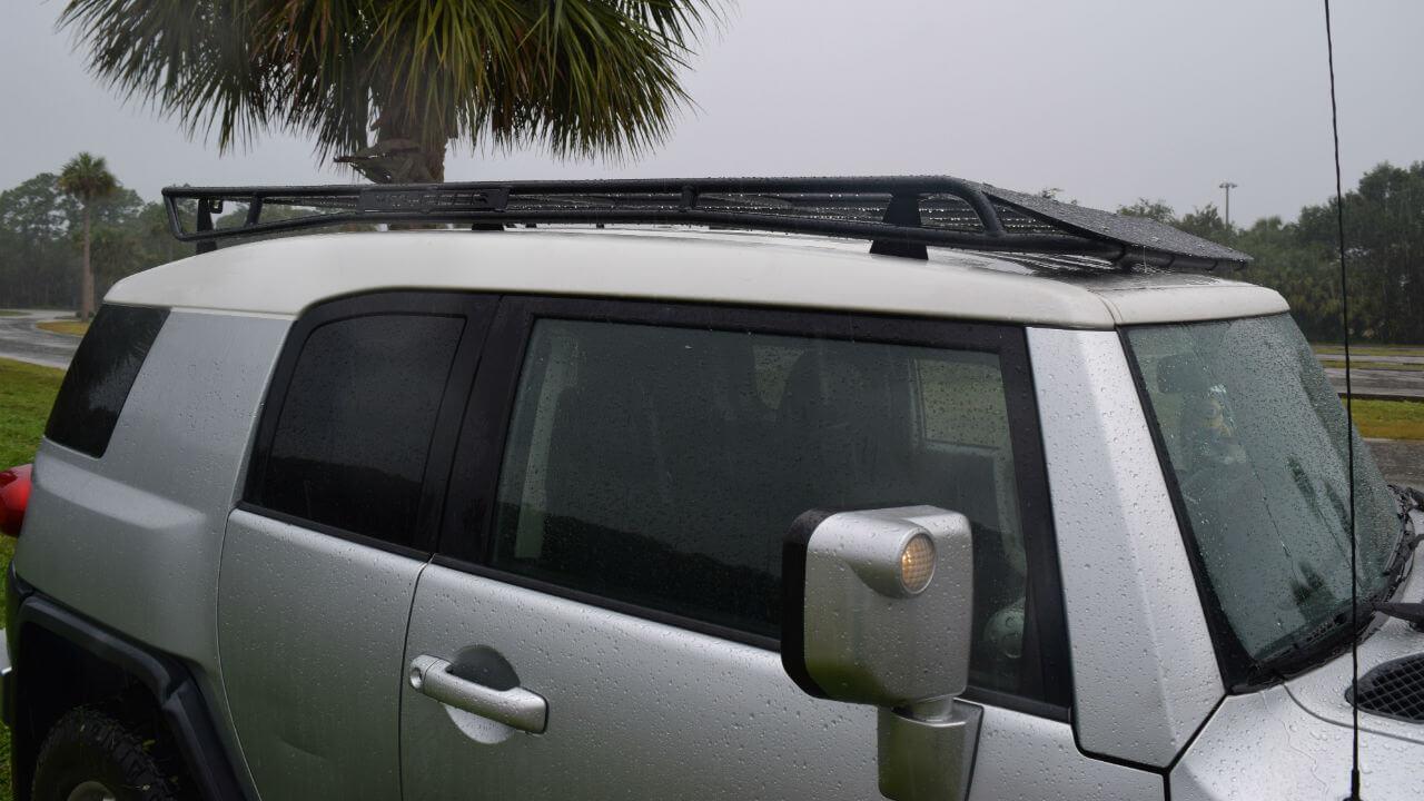 Toyota-FJ-Cruiser-off-road-roof-rack-passenger-side-Voyager-Offroad.JPG