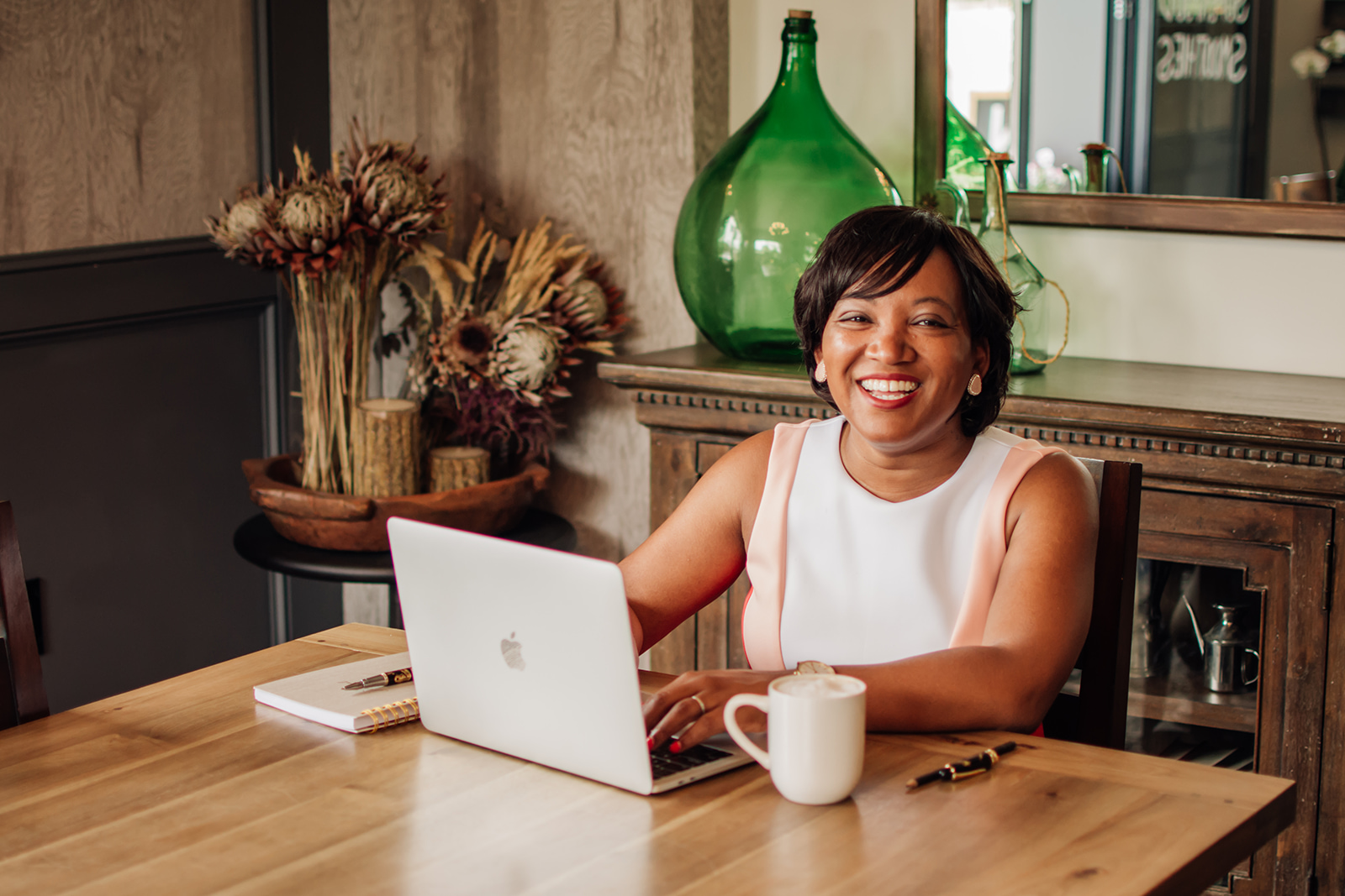 Meet Nicole Barrett - Marketer. Travel Business Coach. Consultant.Founder, Espy Global