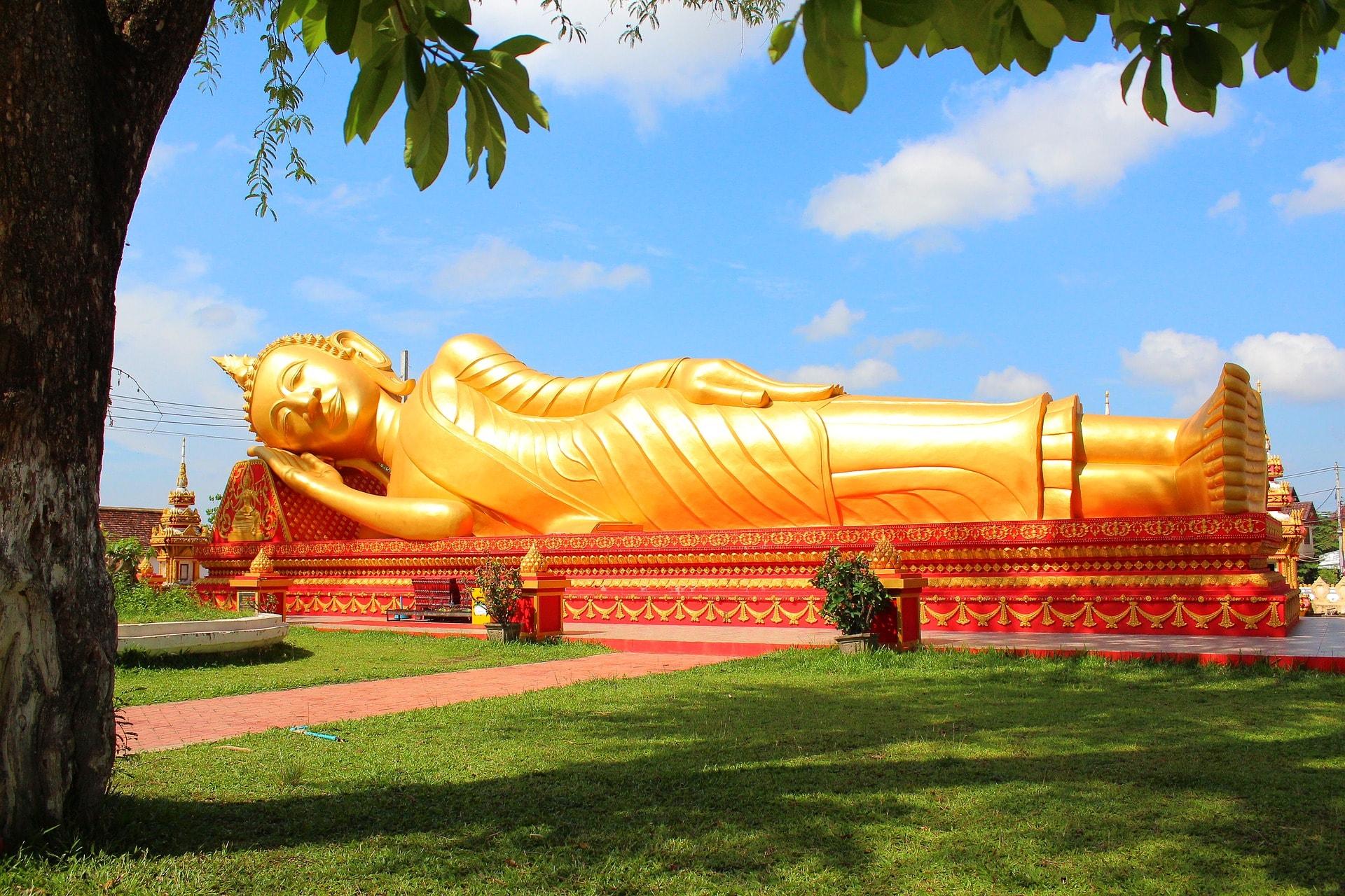 Golden Reclining Buddha.jpg