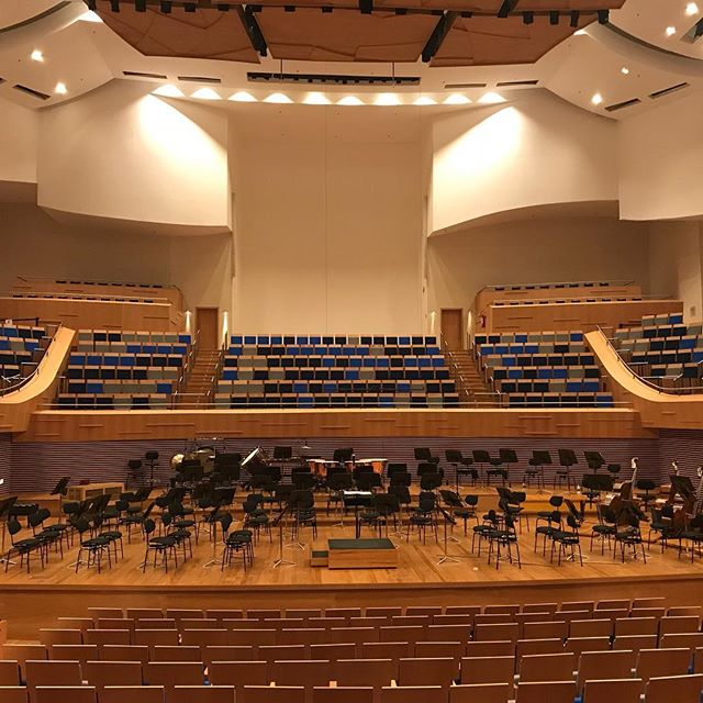 "In half an hour concert in this wonderful new hall! Walton ""Hamlet and Ophelia"", Debussy ""Fantaisie"" and Sibelius 2nd Symphony with the amazing Orquestra Filarmonica de Minas Gerais and Ronaldo Rolim at the piano! This week was a great joy and This orchestra really is something special!"