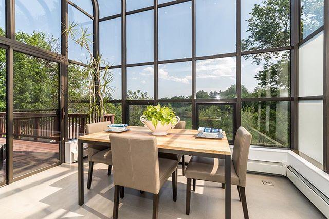 ADLO Media 📸 #adlomedia #realestatephotography #interiordesign #housegoals #luxury #kitchendesign #realestate #atrium