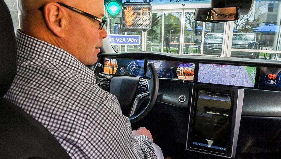 Qualcomm-Connected-Car.jpg