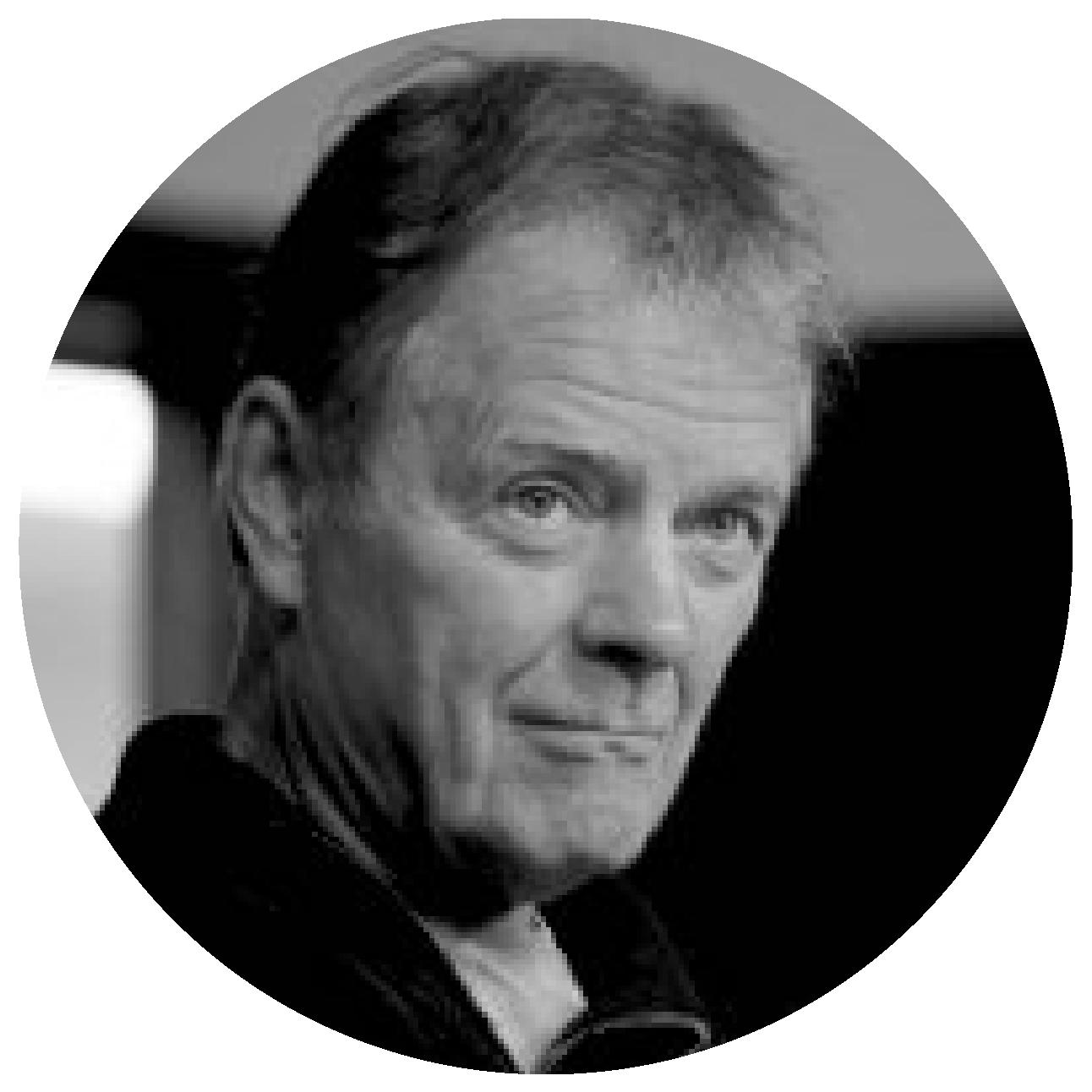Ian Boyd   , Secrétaire    Producteur chez Terre Innue   Ian Boyd produit depuis plus de 30 ans en suivant un parcours animé par la curiosité de l'autre et une passion pour l'art, l'anthropologie, et l'histoire. Suite sa participation à Alter-Ciné et à la cofondation des Productions de l'Impatiente, il poursuit son trajet chez le distributeur international Films Transit avant de participer à plusieurs projets de fiction aux Films Vision 4.  La fondation des Films de l'Isle en 1997 marque le début d'une collection de documentaires et de longs-métrages de fiction, dont plusieurs coproductions internationales. Parmi ces nombreux collaborateurs on compte notamment Bertrand Carrière, Carlos Ferrand, Magnus Isacsson, Rodrigue Jean, Ian Lagarde, Charles Najman, Lea Pool, Yves Sioui-Durand et Tim Southam, dont les films ont tous été sélectionnés et primés dans de nombreux festivals.  En 2010, Ian Boyd s'associe avec Réginald Vollant pour la production du long-métrage  Mesnak . De cette collaboration est née une amitié et les débuts de Terre Innue.