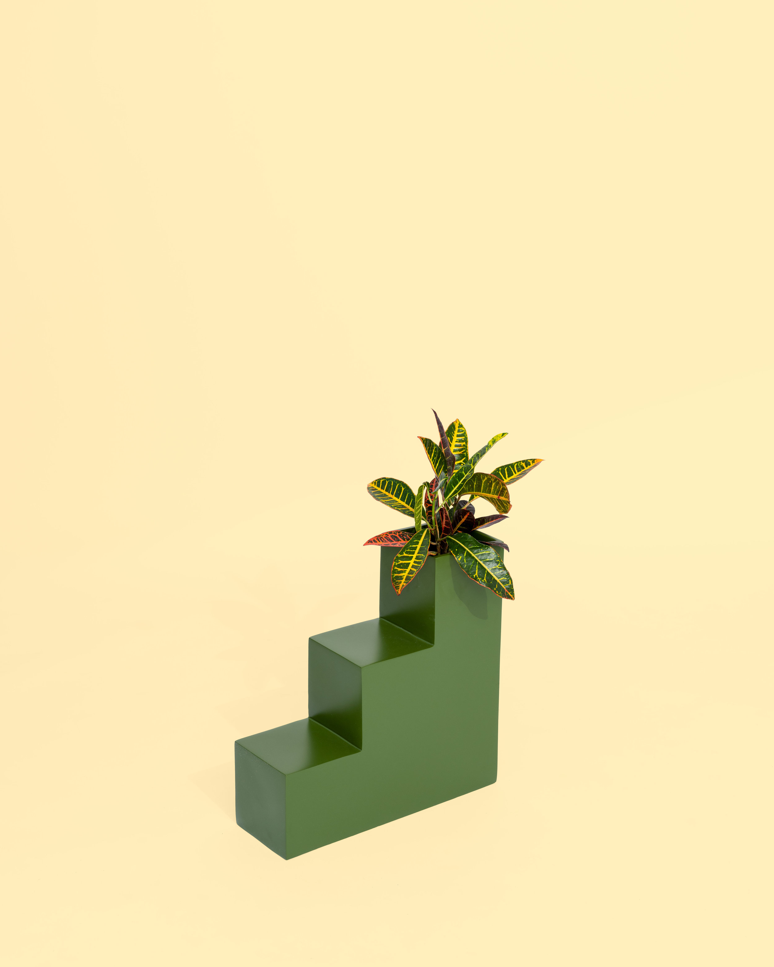 PIECES - planters by Aesthetic Pursuit