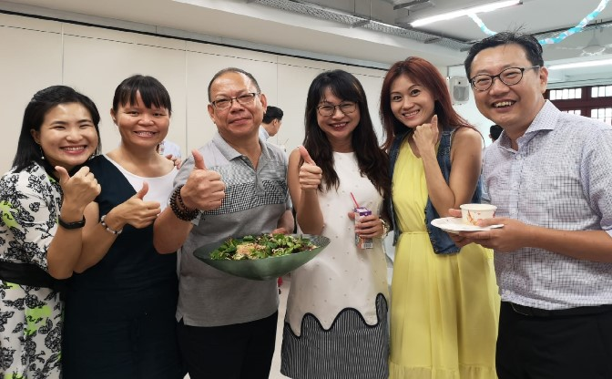 Monitors Jennifer Goh & Hse Chong Tien turning up to support their students