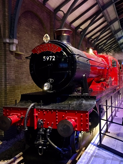 HogwartsExpress.jpg