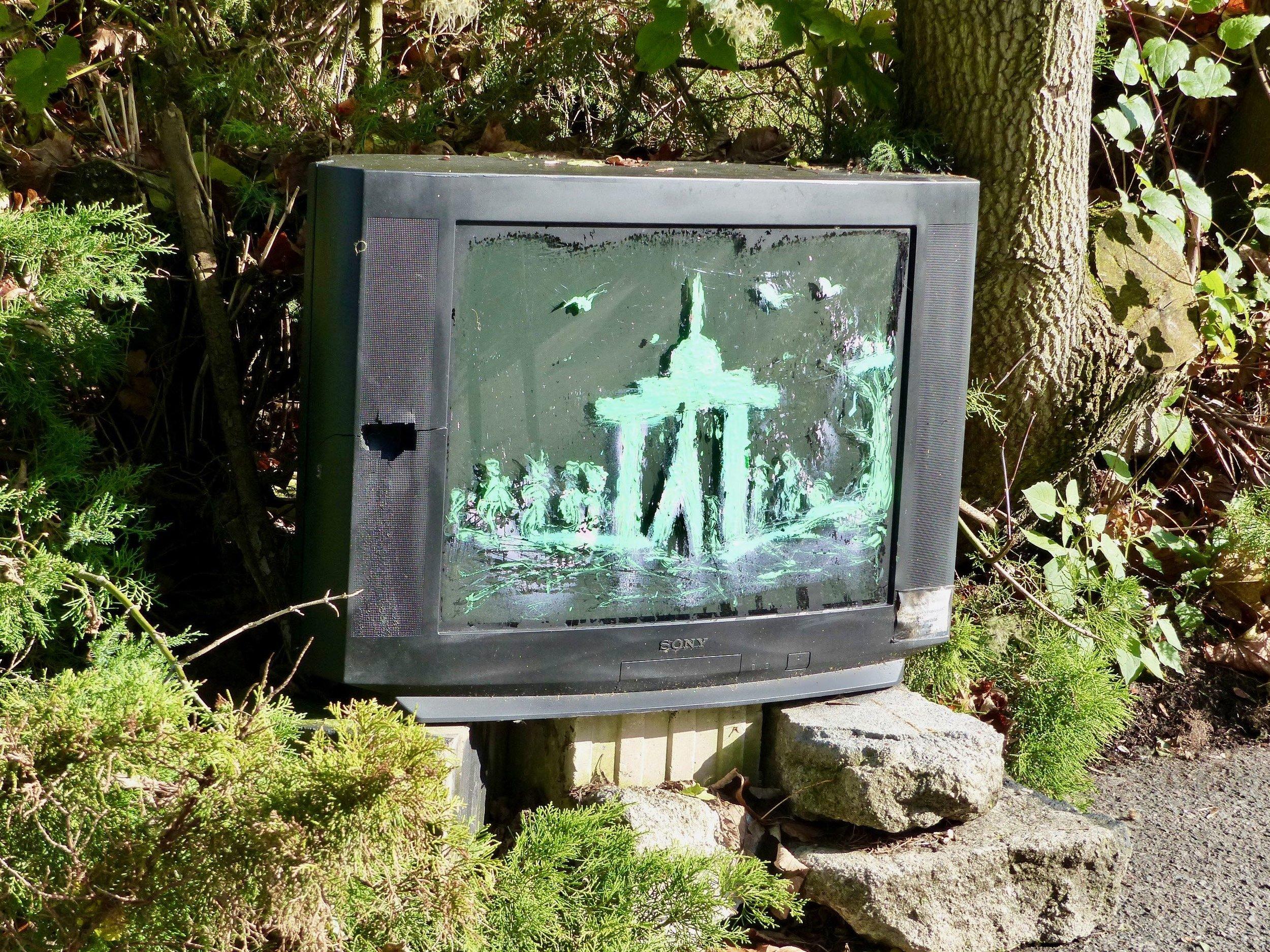 Für einen guten Umgang mit den Medien, muß man ja nicht gleich den Fernseher kaputt machen