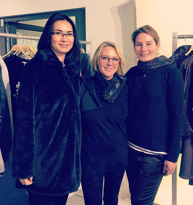 Inge Stahl from Gelsenkirchen, it was a great pleasure to welcome you on our stand in #Düsseldorf on #Supreme #fashionfair #hollygolightly #fallwinter1718 #gelsenkirchen  #fashion
