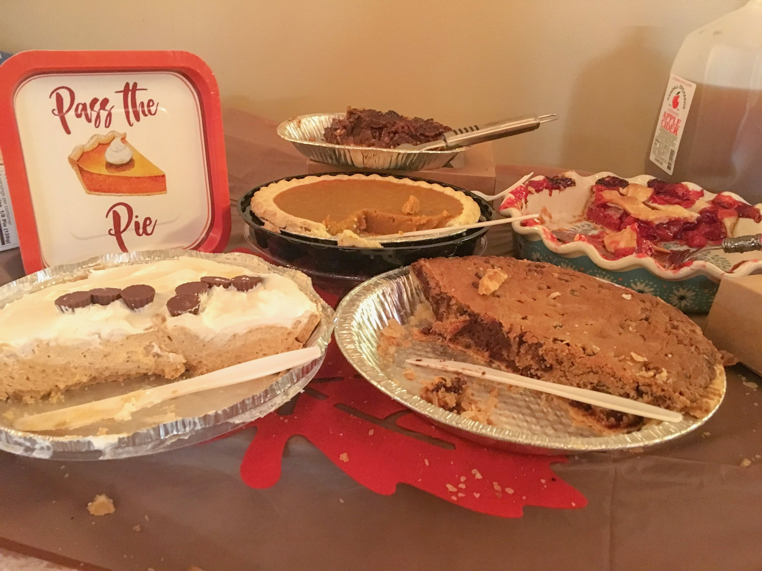 FriendsGiving - Pie, games, and tons of laughs for all...