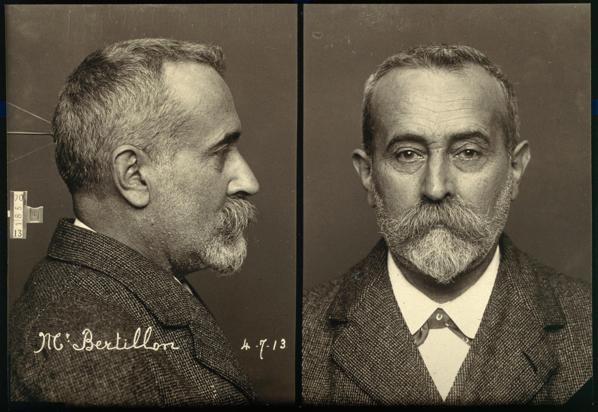 7787004933_portraits-de-bertillon-de-profil-et-de-face-a-la-maniere-des-photographies-d-identification-judiciaire-1900.jpg