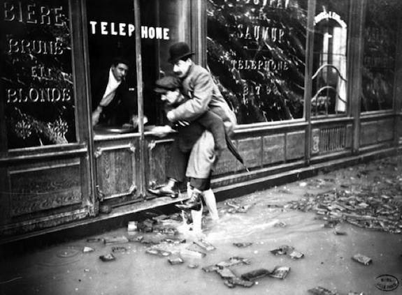 rue-bonaparte-1910-c-bhvp-rogerviollet-worldsgraphicpress.jpg