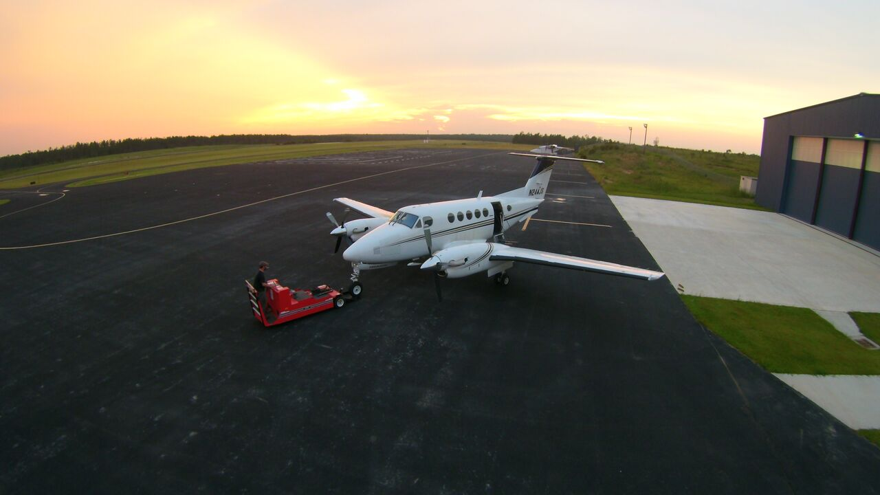 King Air Towed.jpg