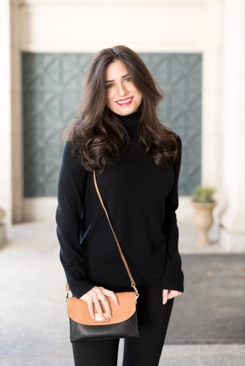 black outfit with crossbody bag