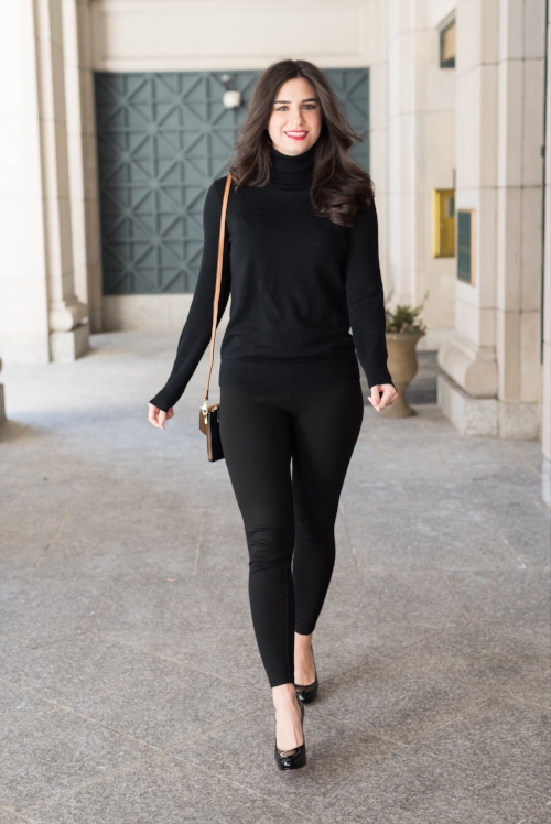 simple all black outfit