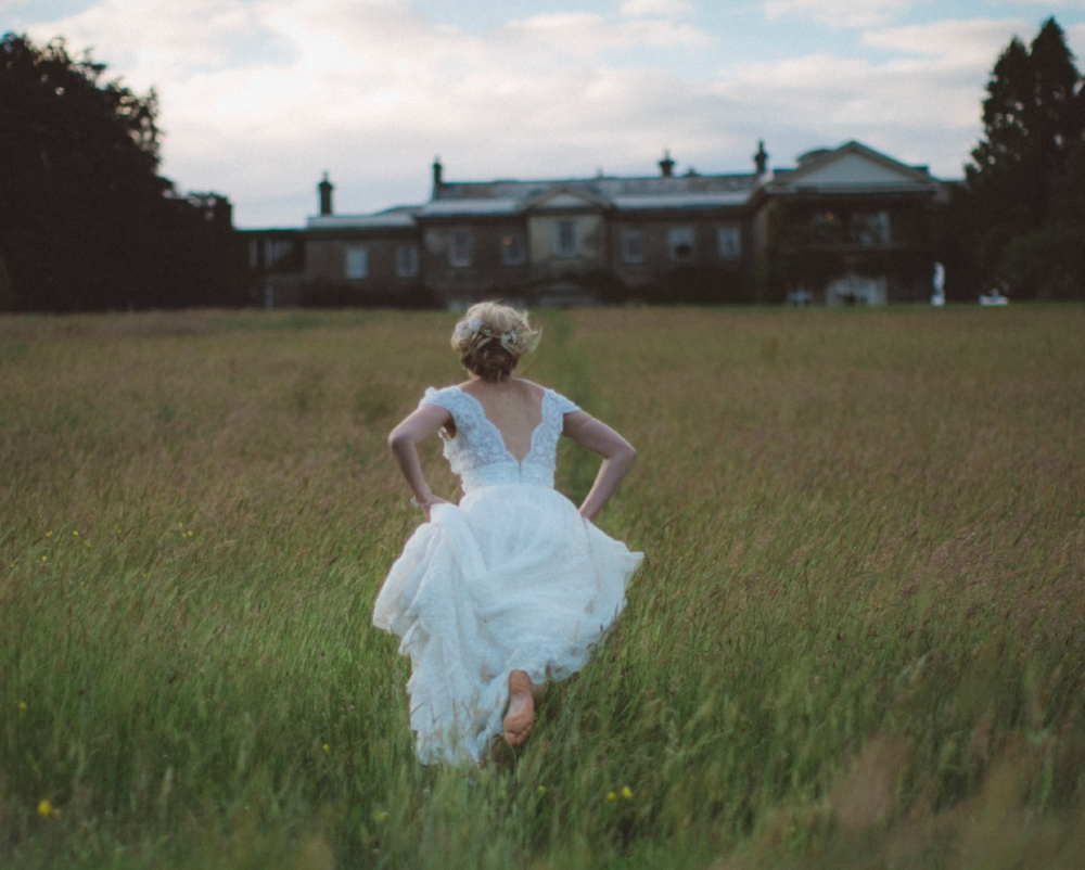 Don't be late to your wedding! Photo by  dylan nolte on  Unsplash