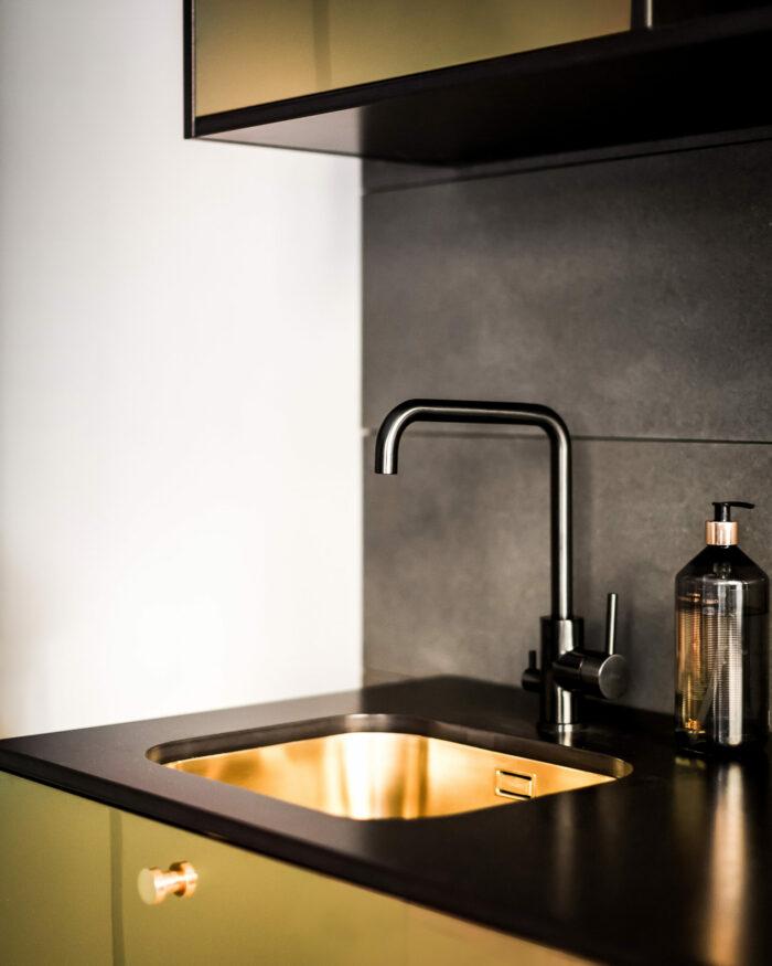 Ikea-kok-guld-picky-living-triss-700x875.jpg