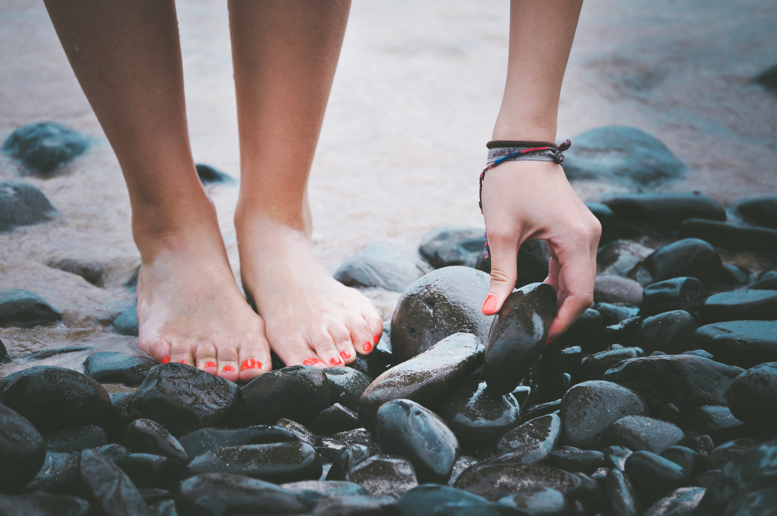 Barefoot Walking and Grounding Methods: How Earth's Electrons Can Help You Can Reverse the Effects of Aging and Enjoy the Fountain of Youth