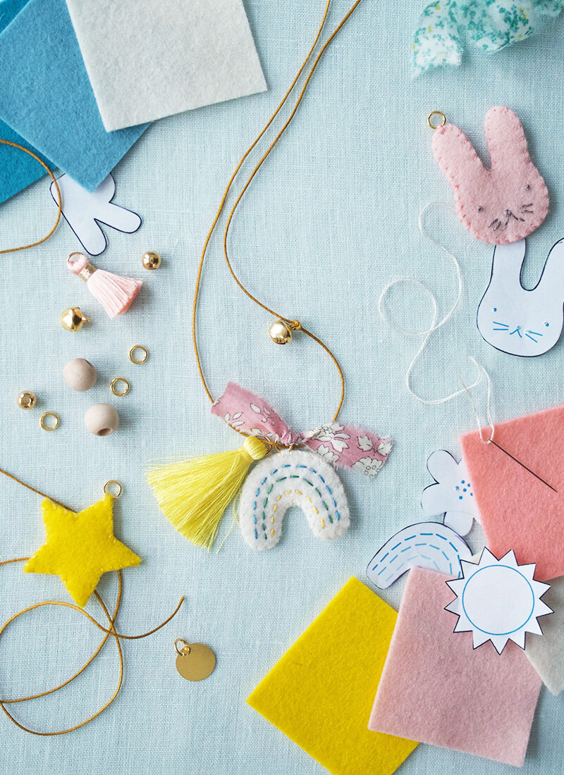 Fair Play Projects    Sewing based craft kits for kids that use 100% wool felt and sewing patterns for kids clothes.
