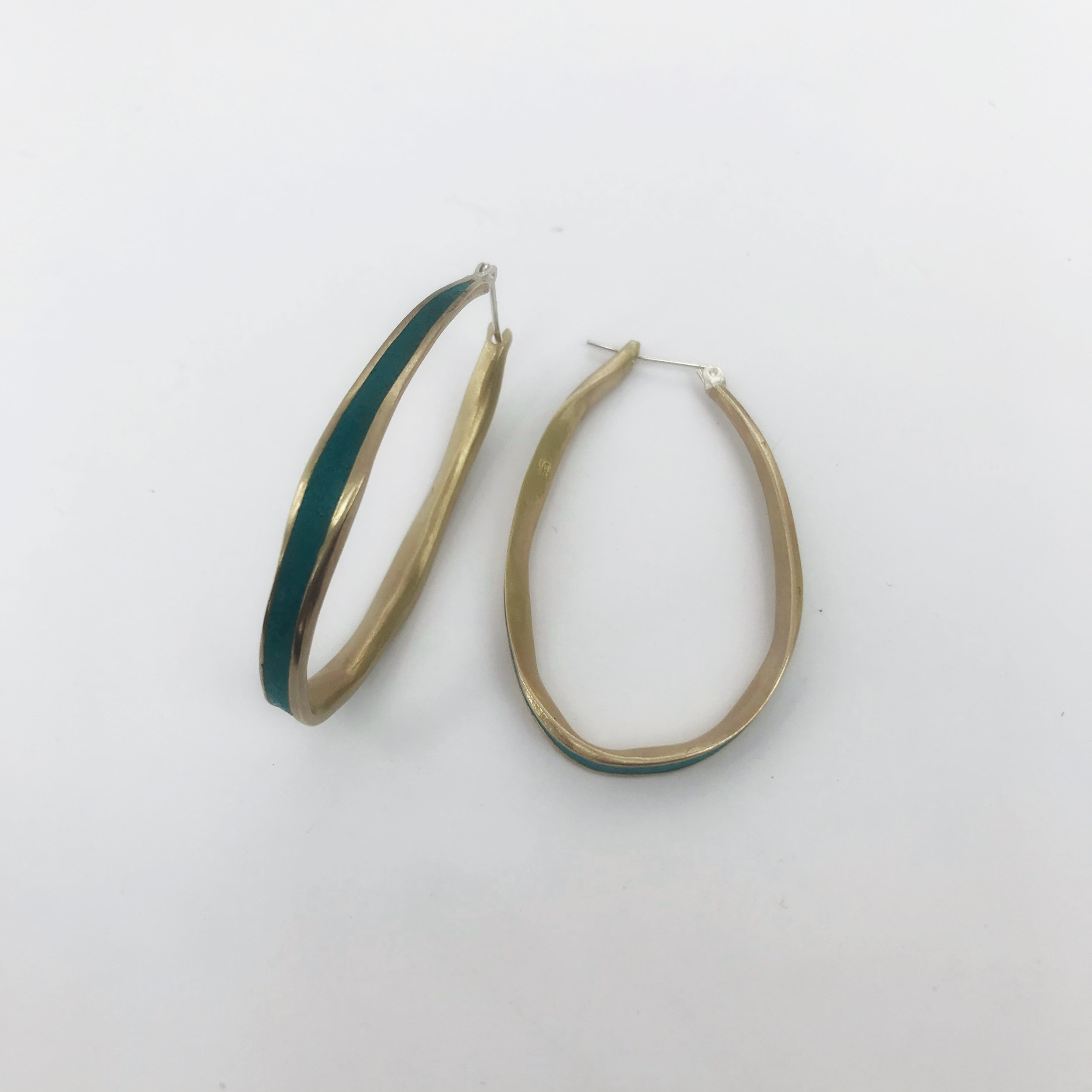 Medium Oval Hoop