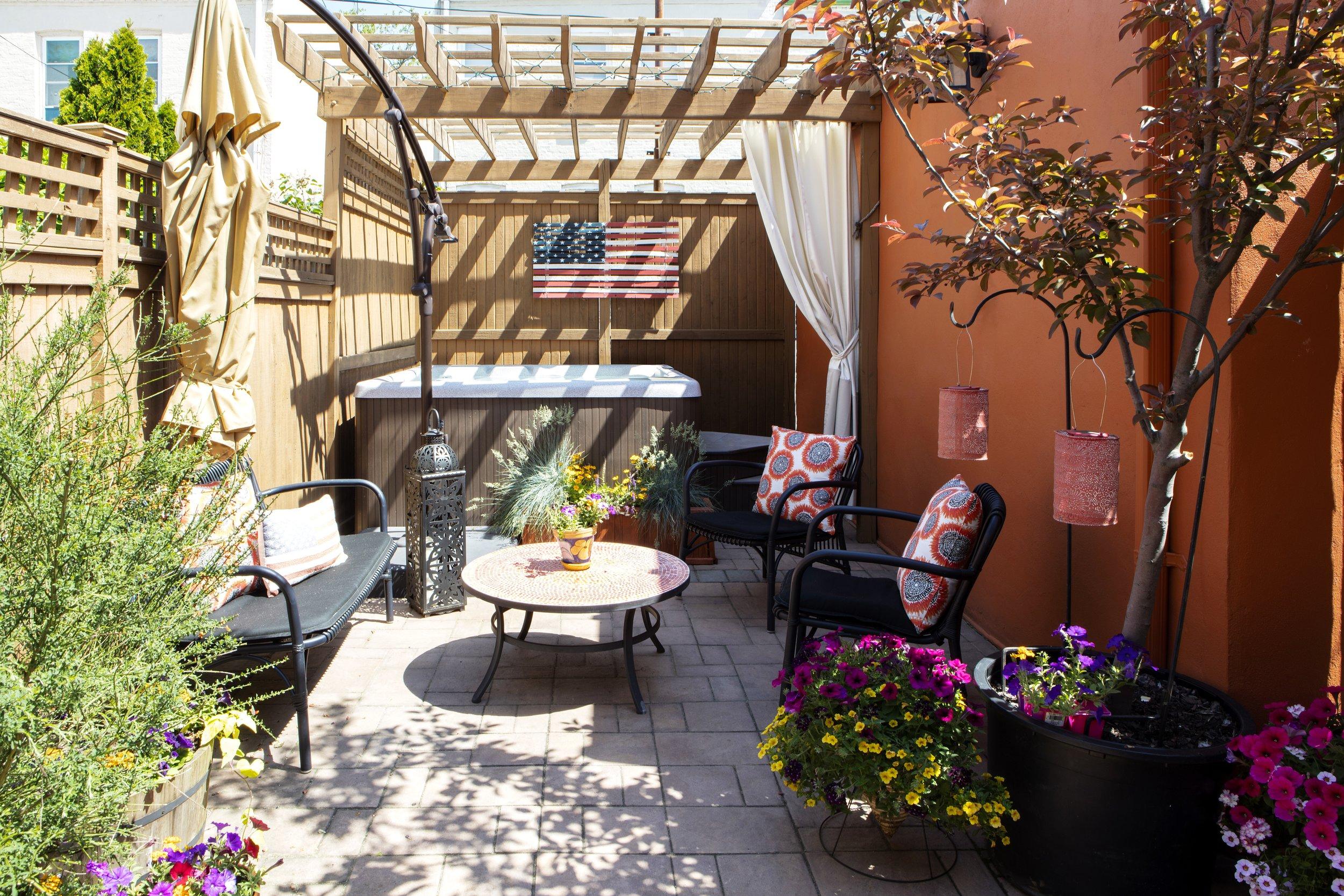 Beautiful backyard done by Dickerman Design, outdoor area ideas Brooklyn, NY
