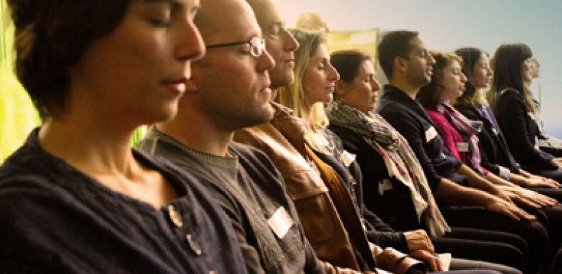 Group-meditating-small1-820x400.jpg