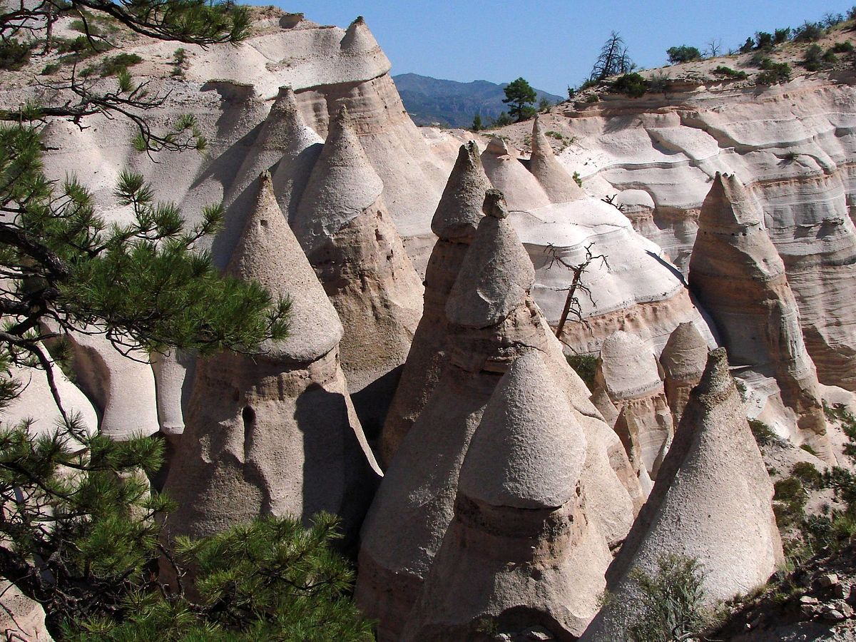 Tent_Rocks_National_Monument,_New_Mexico.jpg