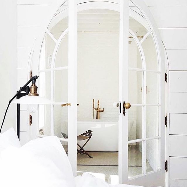 Choosing white paint today for the renovation, this pic is perfect inspo #homeinspo #interiorstyling #homestyling #interiorsinspo