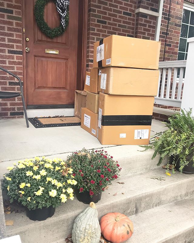 Special delivery! 1 of 2 big shipments that arrived today. Preparing for a few big customer orders, Christmas gifts in the works and inventory for @thecolecollectionevent coming up on November 7th in Lima at Shawnee Country Club (tickets available now!) 🍁📦🍂🧺🎄