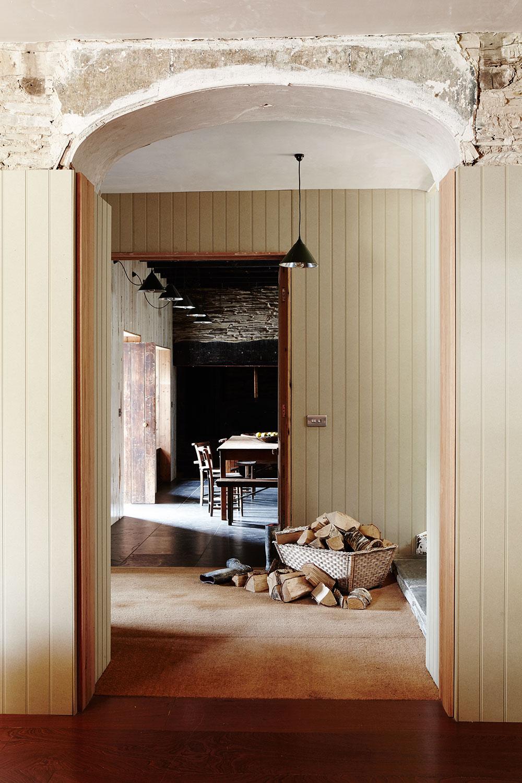 Fforest_welsh_farmhouse_hallway.jpg