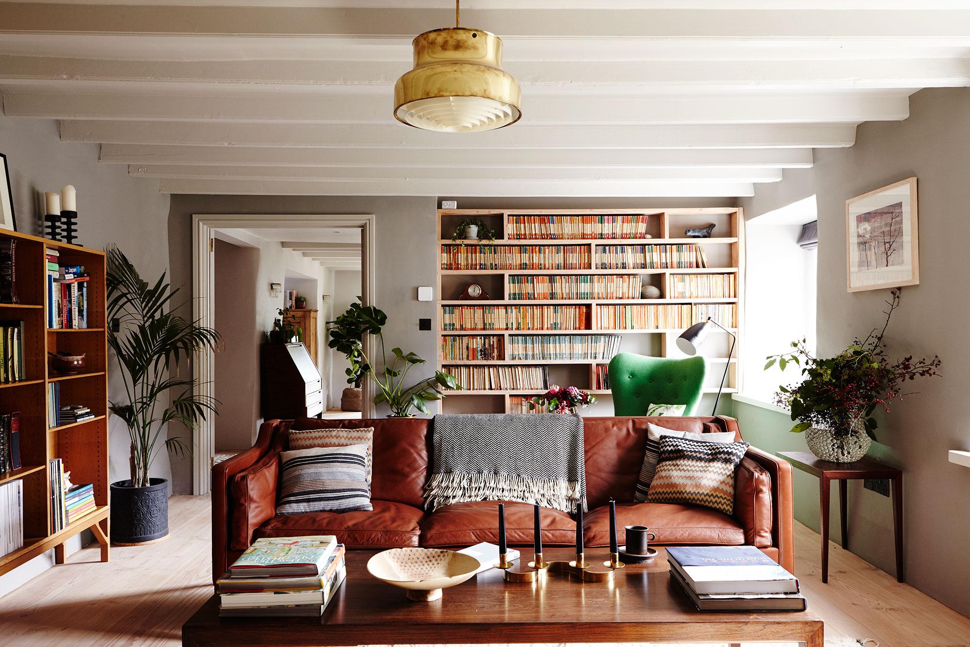 country_midcentury_livingroom.jpg