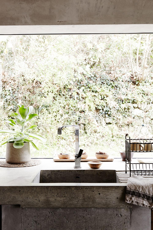 concrete_kitchen_sink.jpg