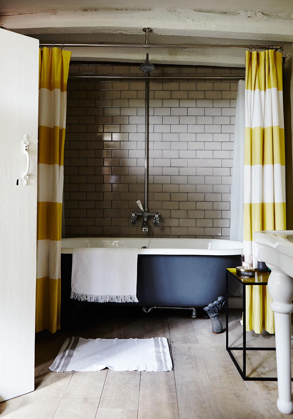 bathroom_050.jpg