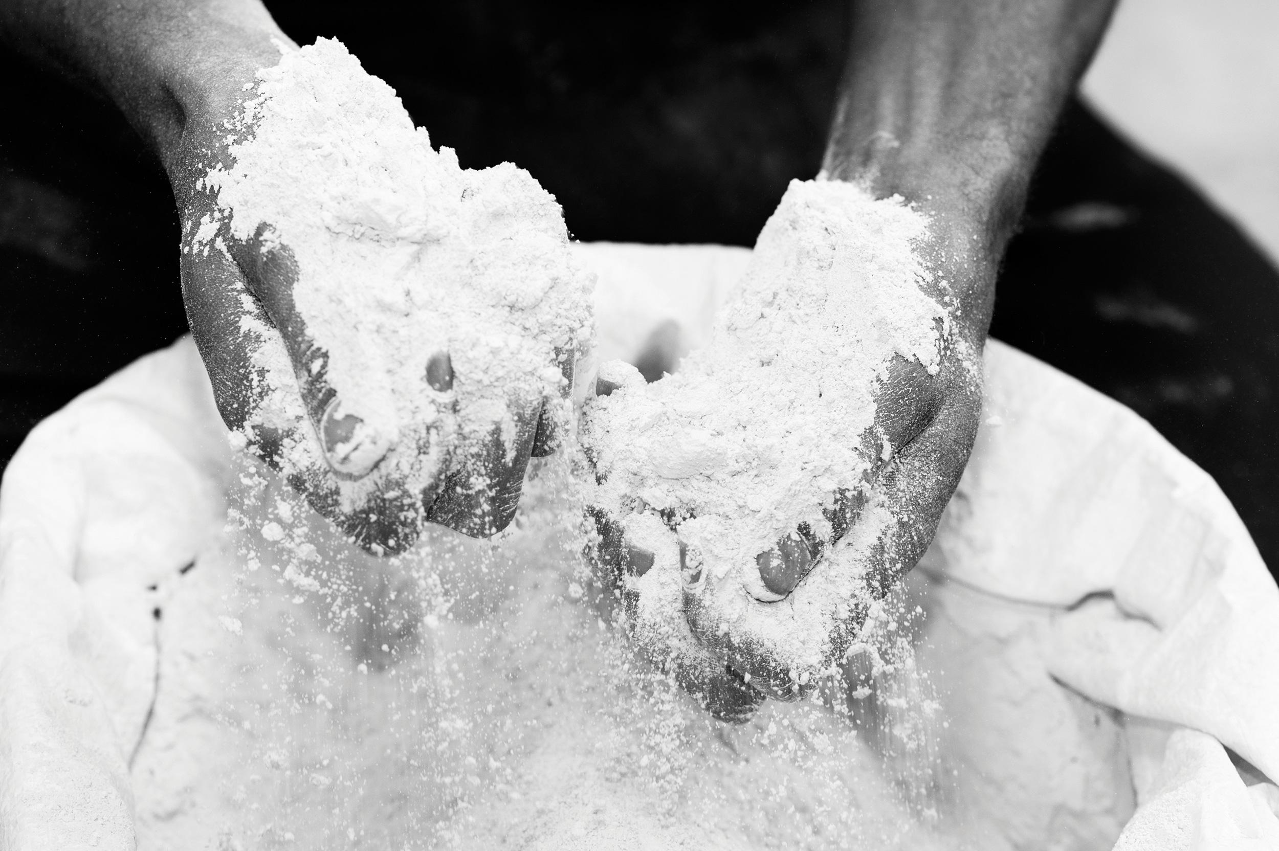 kapula-handmade-ceramics-factory-process-hands.jpg