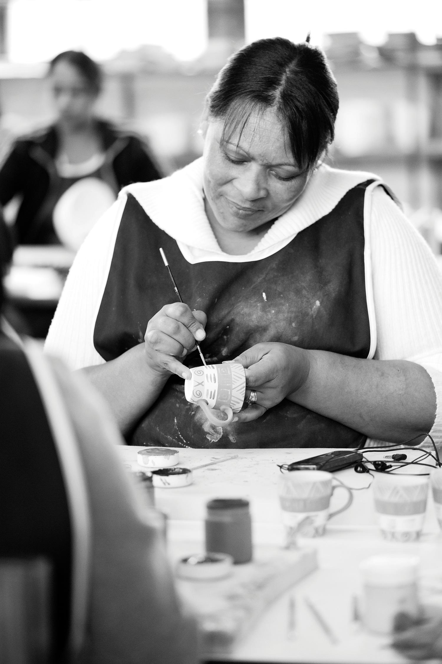 kapula-handmade-hand-painted-ceramic-espresso-cup-women-painting.jpg