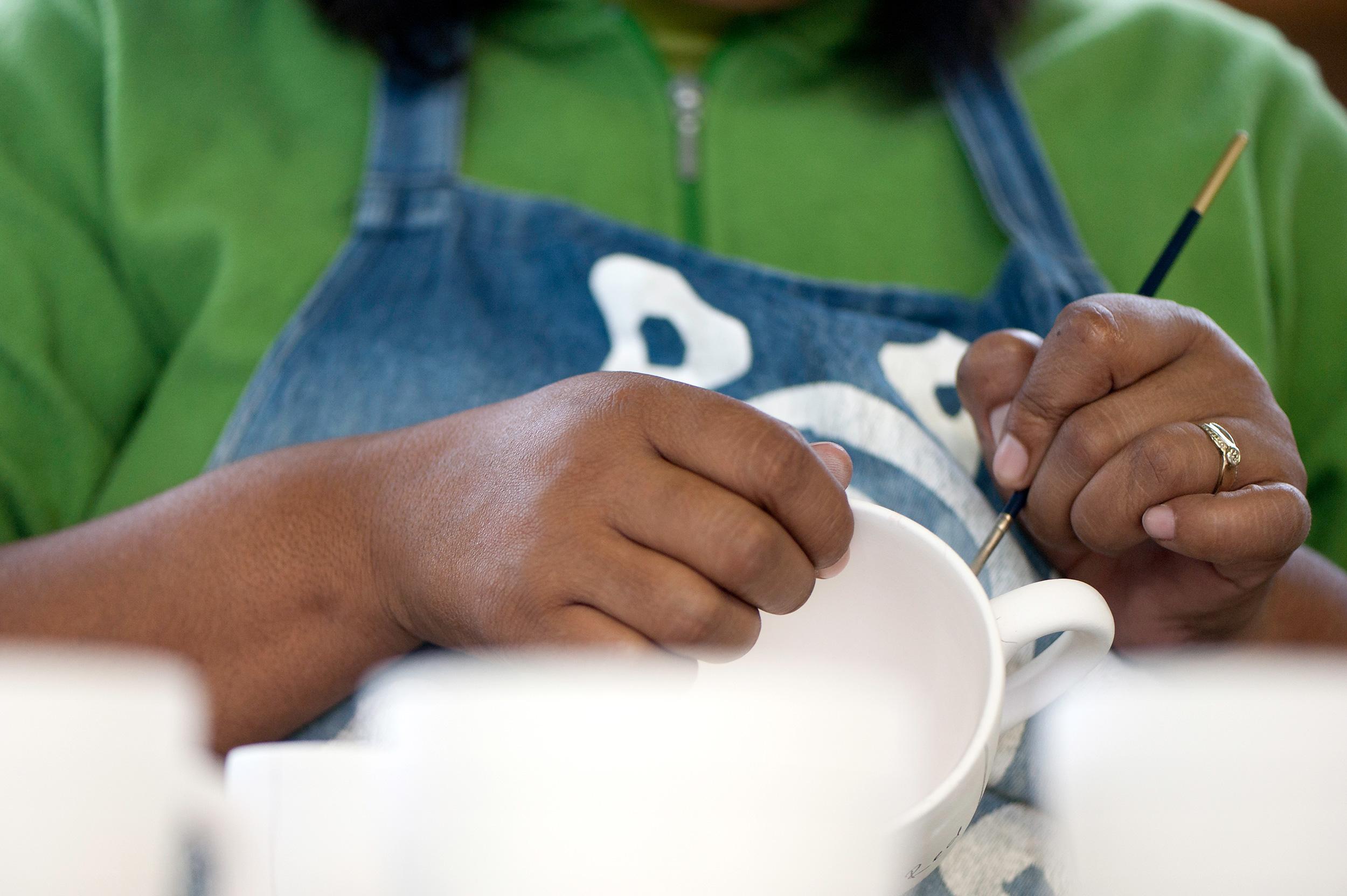 kapula-handmade-hand-painted-ceramics-design-marking.jpg