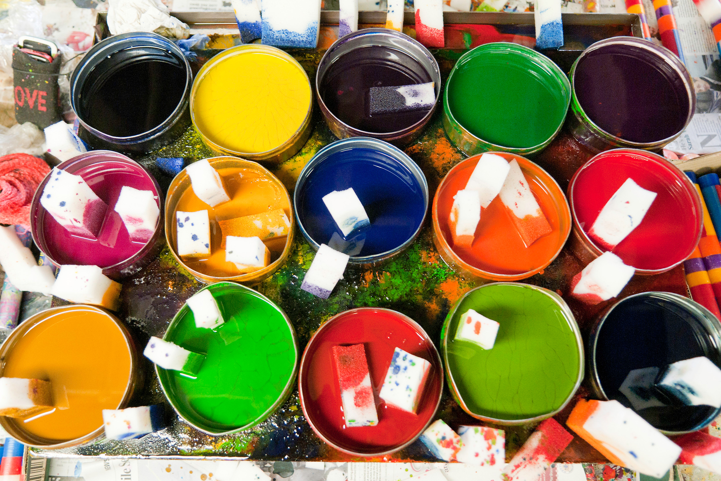 kapula-hand-painted-candles-colours-wax-paint-pots.jpg
