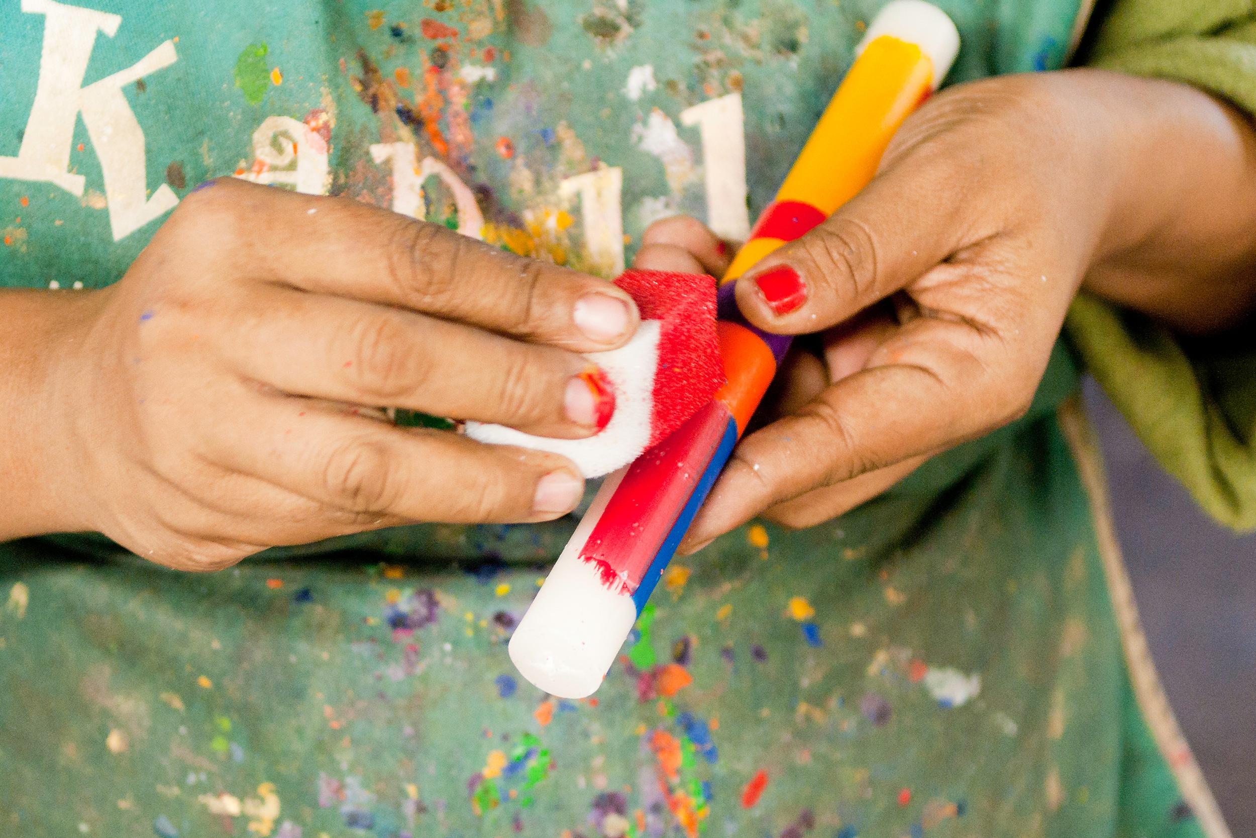 kapula-handmade-hand-paint-dinner-candle-sponge.jpg