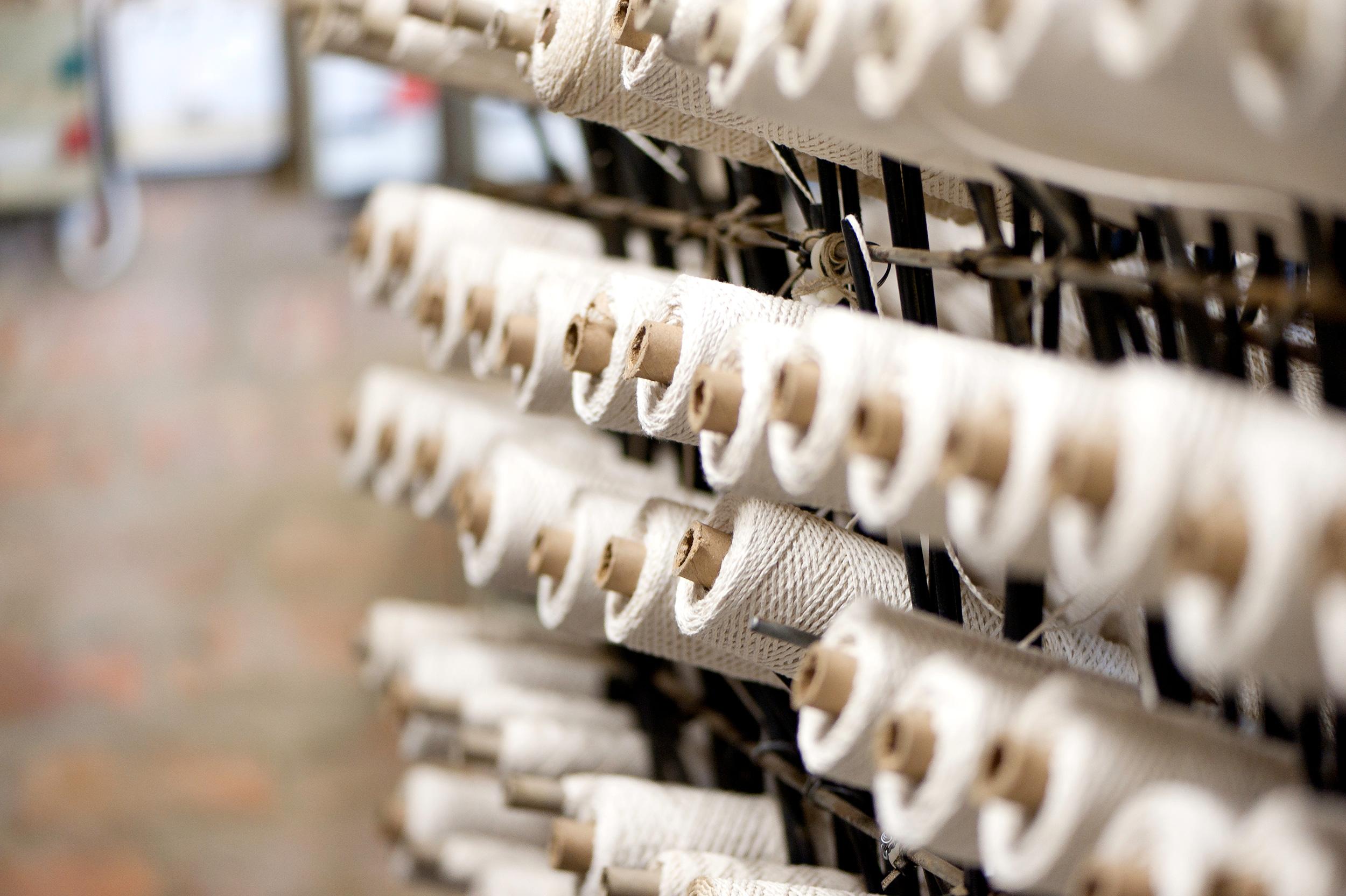 kapula-handmade-soy-candles-wick-rolls.jpg