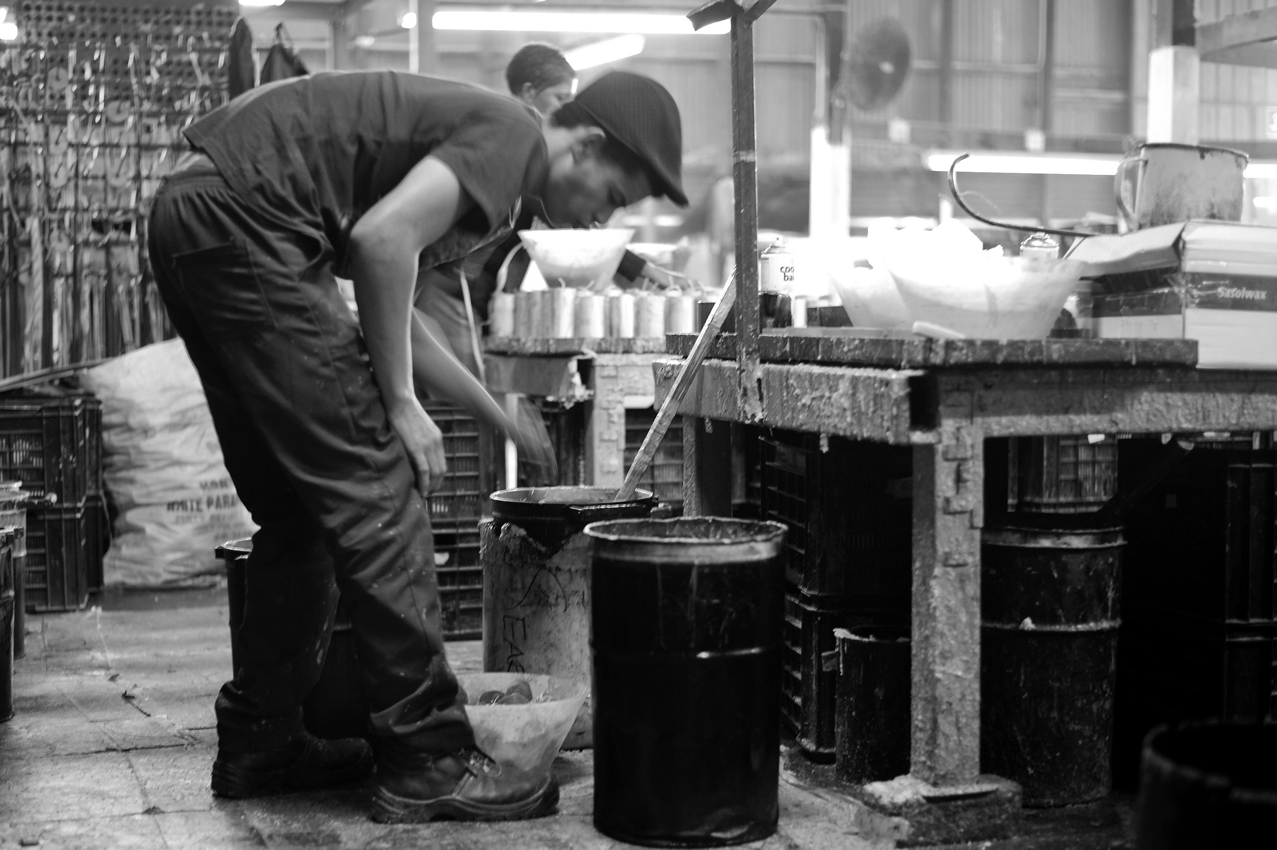 kapula-handmade-filled-ceramic-candles-process-factory.jpg