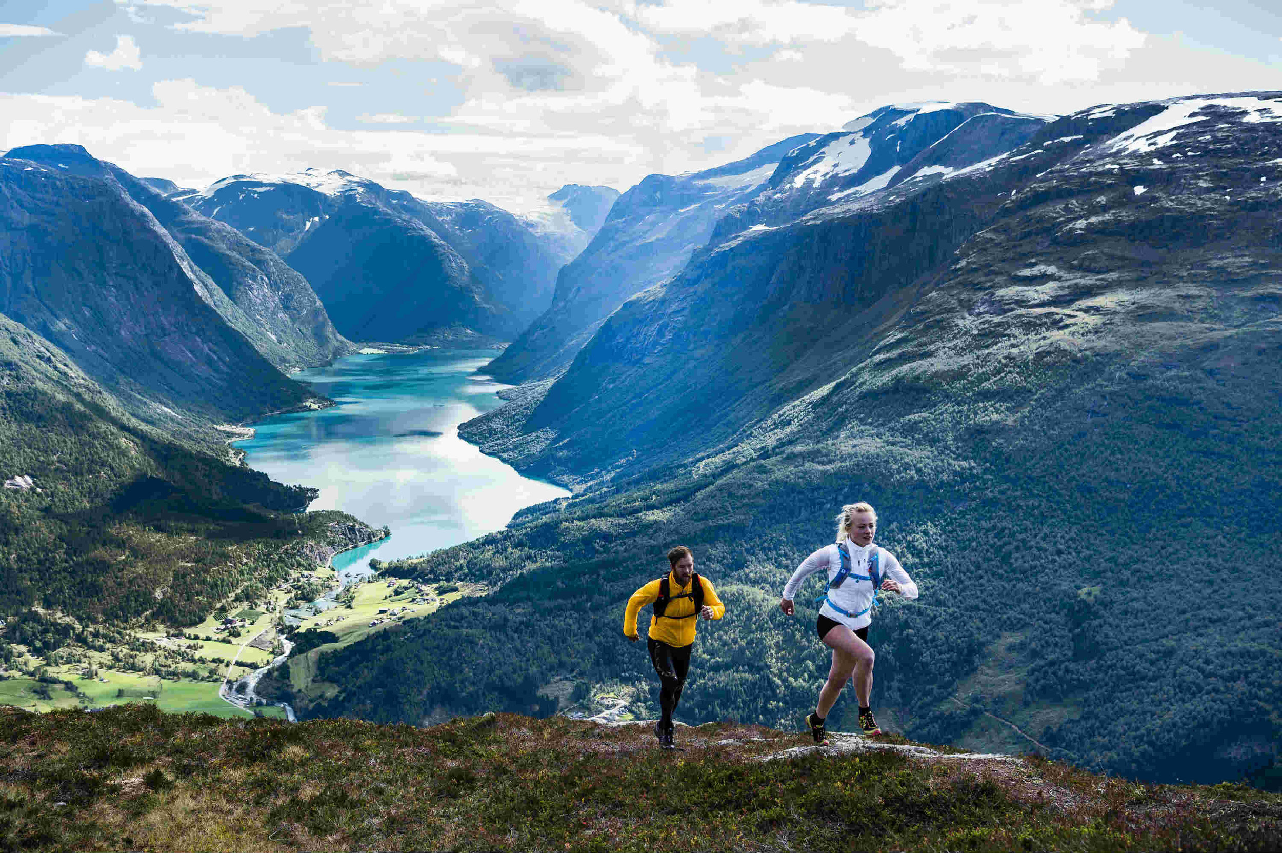Trail running from Loen Skylift. Photo: Mattias Fredriksson.