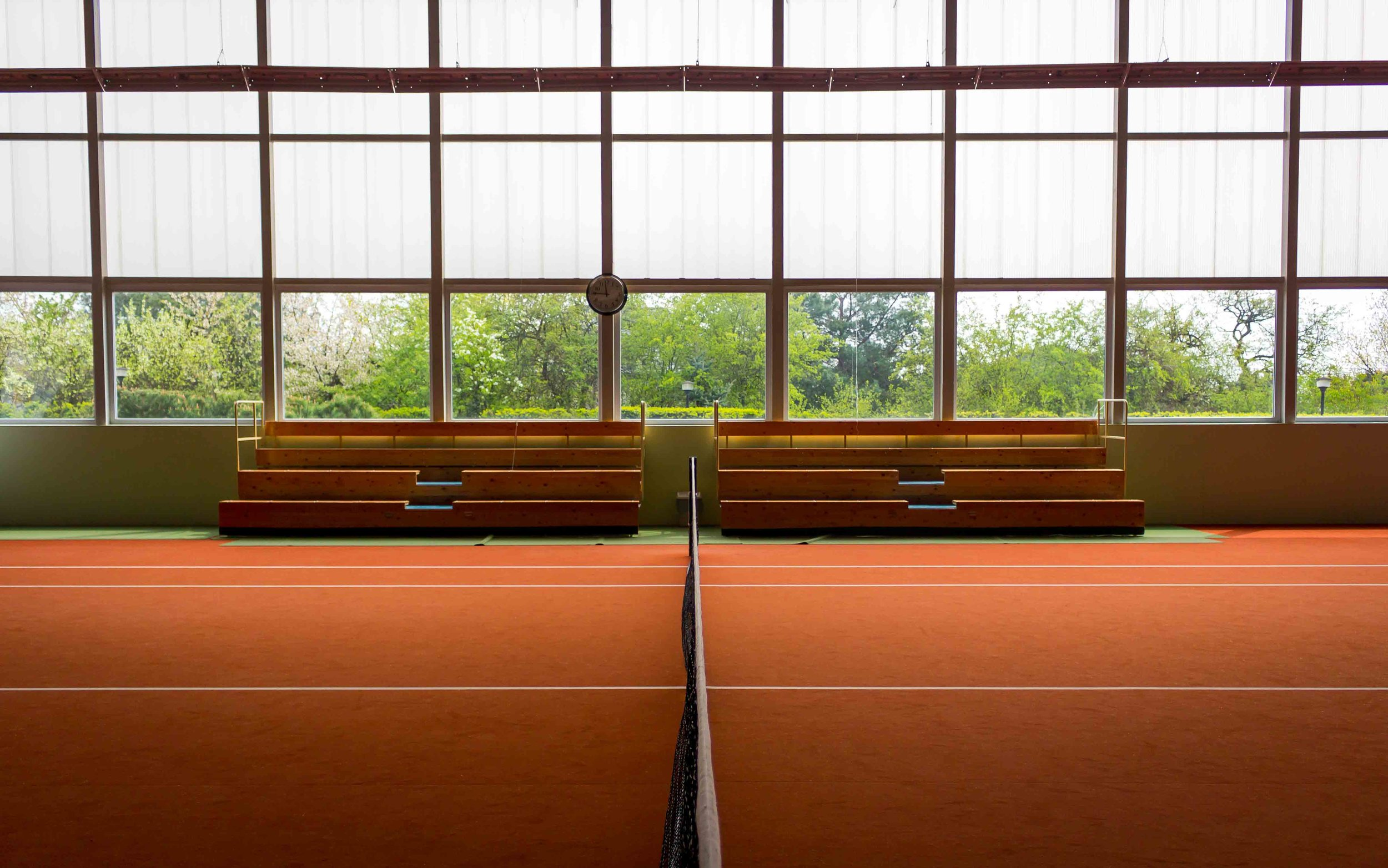 indoor-court-angie-by-karolina-sznycer
